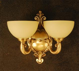 Chandelier brass and glass - ANTIQUE BRASS WHITE CREAM  GLASS